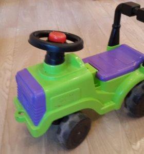 Трактор каталка толокар
