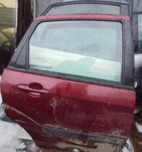 Задняя правая дверь Форд фокус 1 вишневая