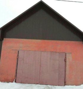 Двери гаражные