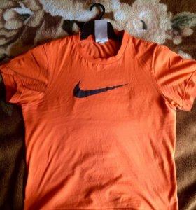 Оранжавая футболка NIKE
