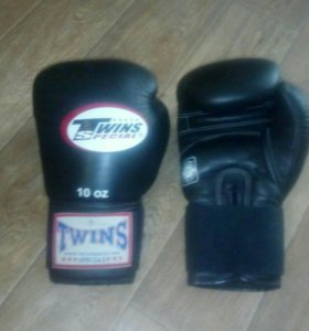 Боксерские перчатки твинс