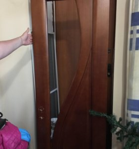 Дверь из натурального цельного дерева