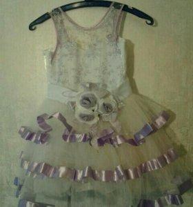 Нарядное платье  на 6лет