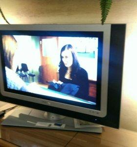 Телевизор Philips 83см ЖК
