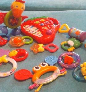 Погремушки и музык игрушка