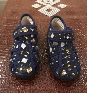 """Летняя обувь.В идеальном состоянии.Фирма """"Kapika """""""