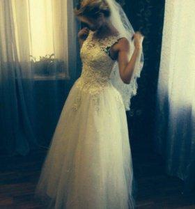 Продам свадебное платье 42-44