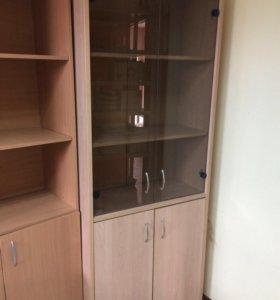 Шкаф офисный остеклённый