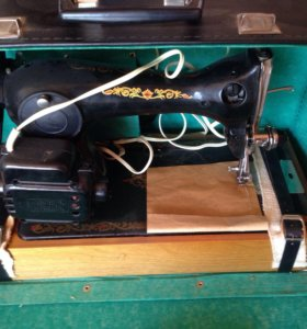 Новая раритетная швейная машинка