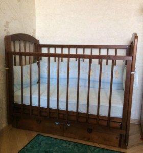 Детская кровать (маятник продольный) и матрас