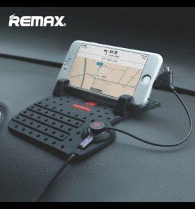 Автомобильный держатель для телефона Remax.