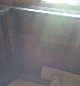 Кровать металлическая с деревянными спинками