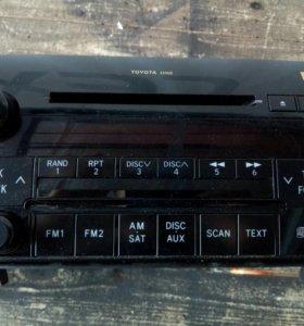 Штатное головное устройство Toyota Tundra