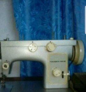 Продается швейная машинка СССР (Польша)