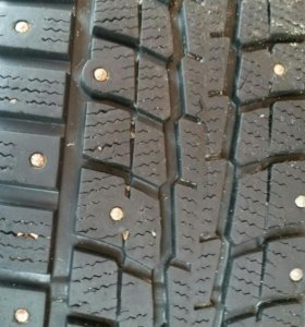 Продаю зимние шипованные шины Dunlop с дисками