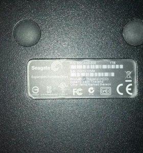 Новый переносной жесткий диск Seagate 1 TB