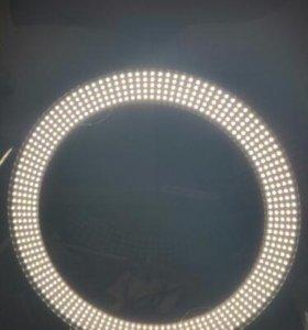 Осветитель в виде кольца для фотостудии