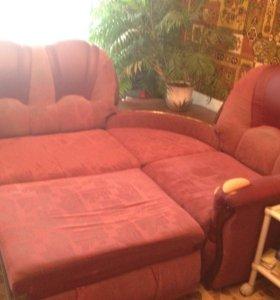 Раскладной диван и кресло.
