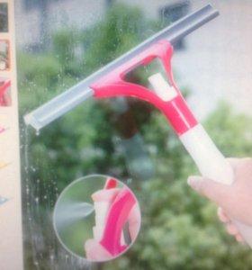 Щетка для мытья окон с спреем.