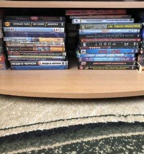 Диски с играми и фильмами, vhs кассеты с фильмами