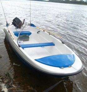 Лодка пингвин тримаран