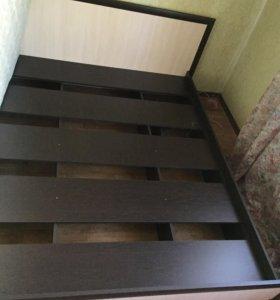 Кровать с матрасом 1.6х2.2 м
