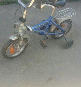 Продам велосипед радиус 12