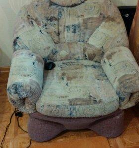 Диван + 2 кресла б/у