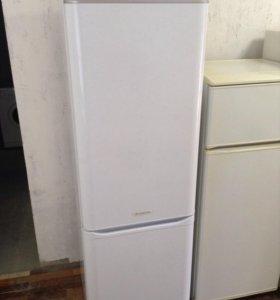 Холодильни Ariston 2x компрессорный, высокий 185