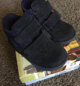 Замшевые ботинки Dandino р.23