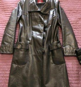 Женский кожаный плащ, 44 размер