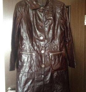 Кожаное пальто размер 48-50