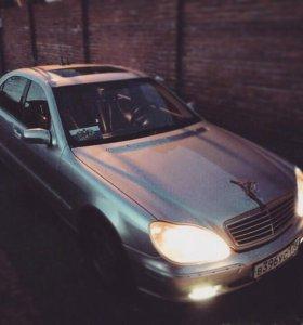 Mercedes Benz S220