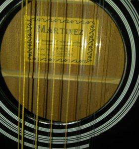 """Акустическая двеннадцатиструнная гитара""""Martinez""""."""