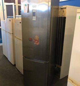 Холодильник Hotpoint Ariston. БЕСПЛАТНО ДОСТАВКА.