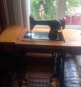 Продаётся швейная машинка ножная