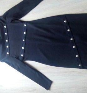 Стильное платье 42_44 р