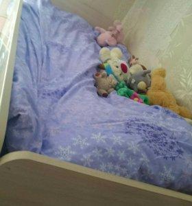 Кровать,шкаф, стол