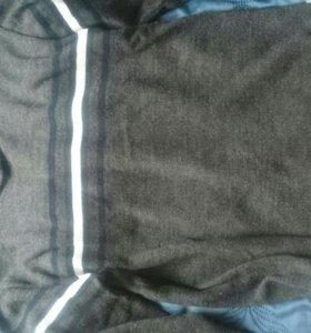 Почти новый свитер