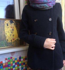 Тёмно-синее укорочённое пальто H&M