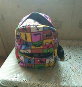 Яркий  рюкзак, новый