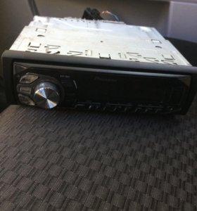 Магнитола Pioneer MVH-160UI