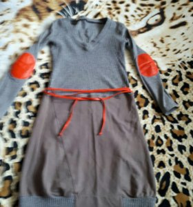 Платье Pelikan