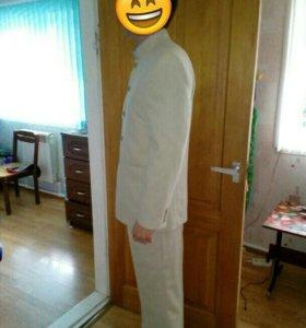 Мужской костюм для выпускного или свадьбы