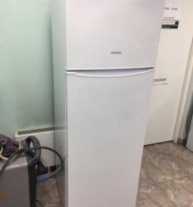 Холодильник двухкамерный VESTEL