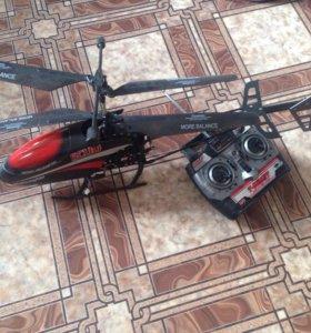 Вертолёт на пульте управления