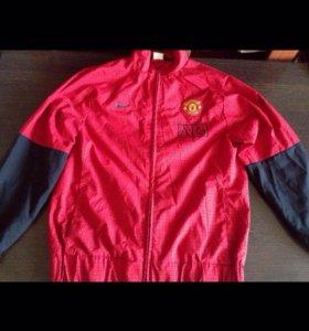 Продам футбольную ветровку Nike Manchester_United!