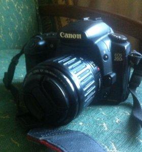 Фотоаппарат Canon 20D.