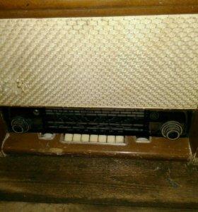 Радиопроигрователь Радиола