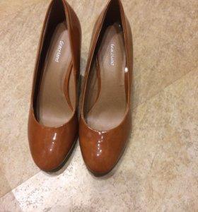 Туфли новые из Испании 38 размер